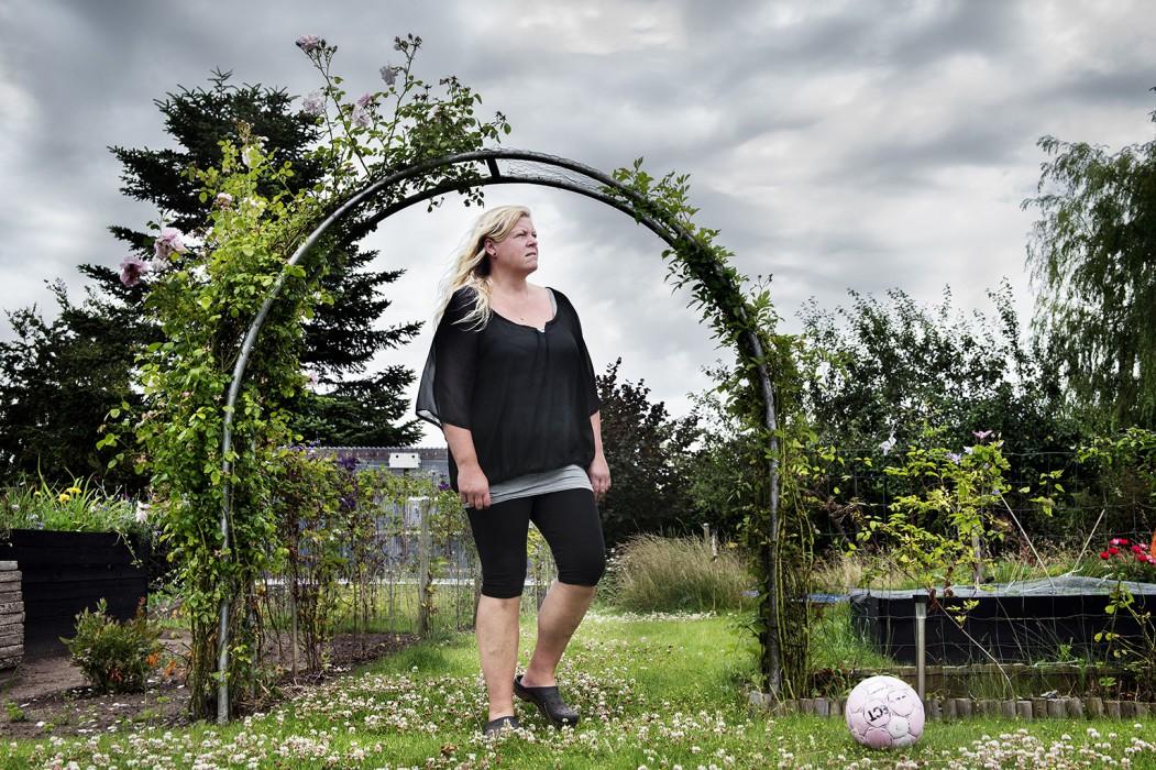 Pernille Mikaelsen fra Nørre Aaby kom til skade med sin truck på arbejdet. Case til historie om at det tager mange år at få afgjort sin arbejdsskadesag.