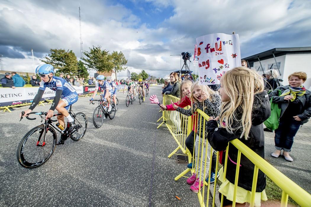 Der er professionelt cykel-gadeløb i Kolding med nogle af tidens største cykelstjerner.