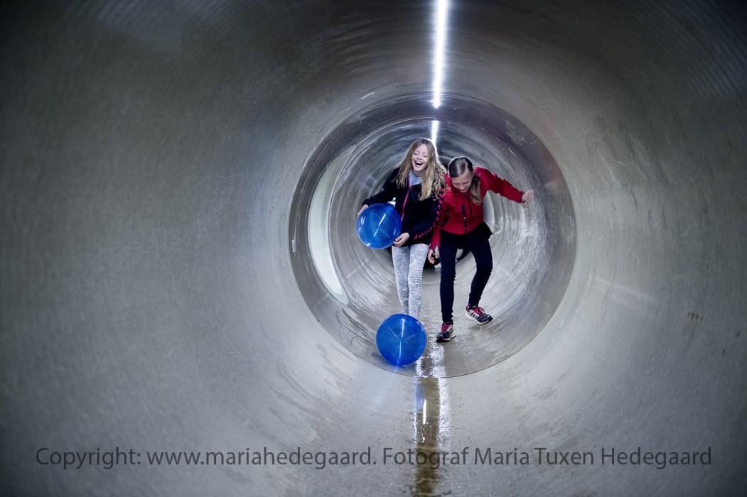 Blue Kolding byder indenfor i et spildevandsrør inden det tages i brug og fyldes med spildevand. (Fotograferet til Blue Kolding)