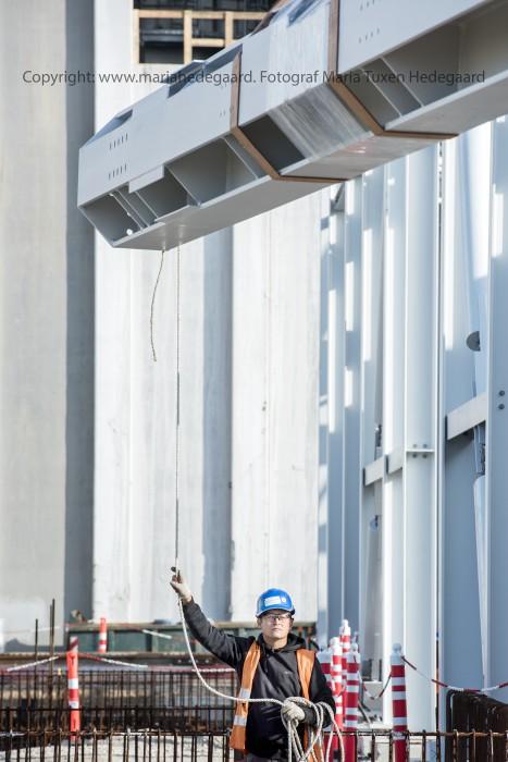 Skærbækværket. Håndværkere er igang med at bygge værket om, så det kan køre på biomasse. (Fotograferet til Dansk Fjernvarme)