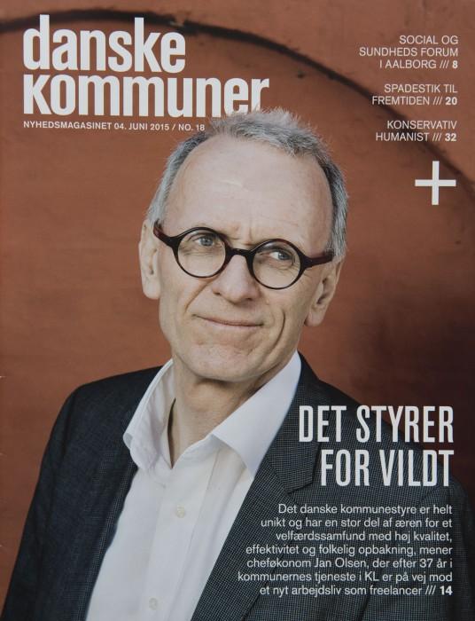Forskellige sider i blade med fotos af Maria Tuxen Hedegaard